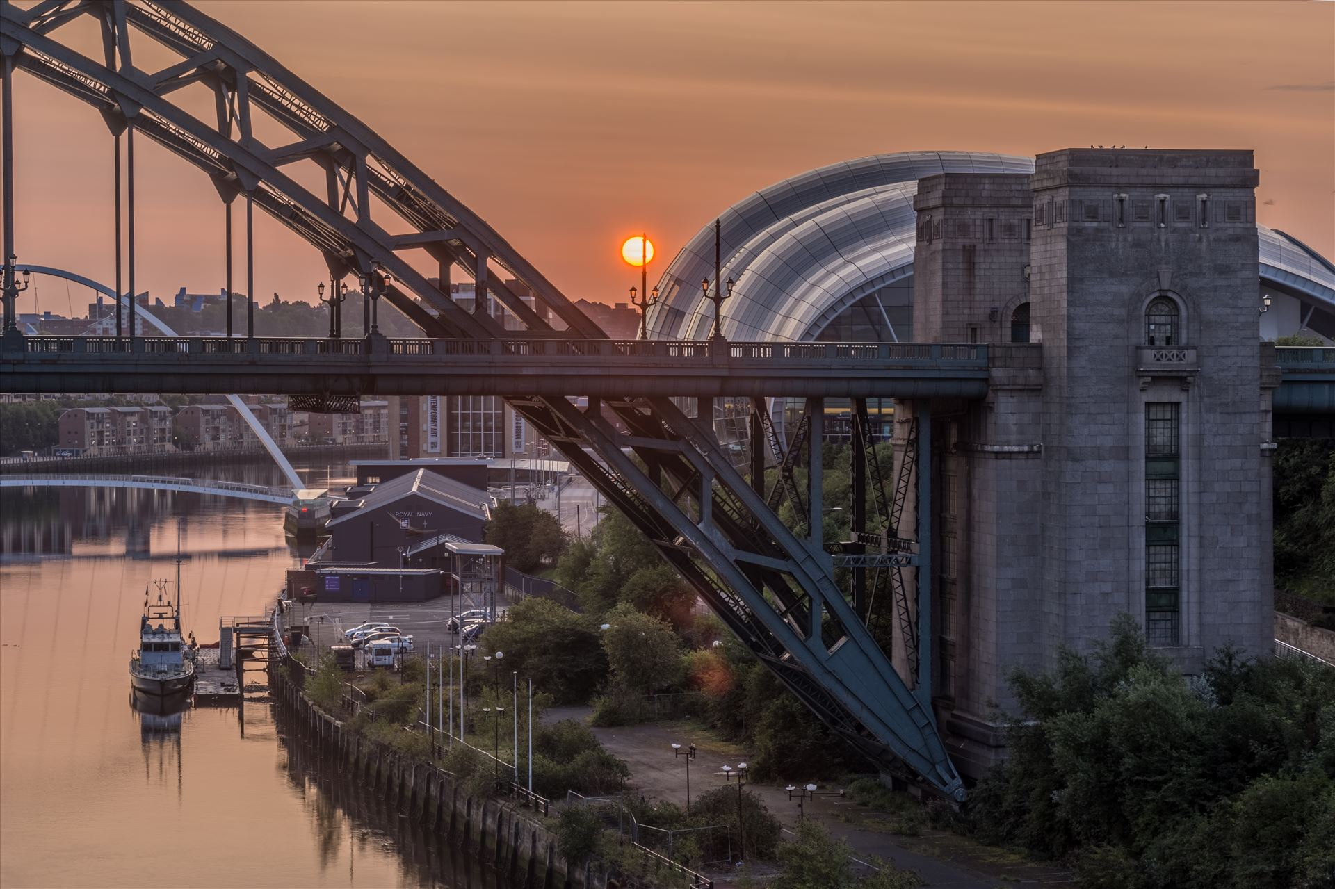 Sunrise over the Tyne -  by philreay