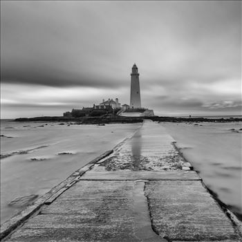 St Mary`s lighthouse - St Mary`s lighthouse stands on a small rocky tidal island is linked to the mainland by a short concrete causeway which is submerged at high tide. The lighthouse was built in 1898 & was decommissioned in 1984, 2 years after becoming automatic.