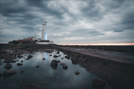 St Mary`s Island & lighthouse - St Mary`s lighthouse stands on a small rocky tidal island which is linked to the mainland by a short concrete causeway and is submerged at high tide. The lighthouse was built in 1898 & was decommissioned in 1984, 2 years after becoming automatic.