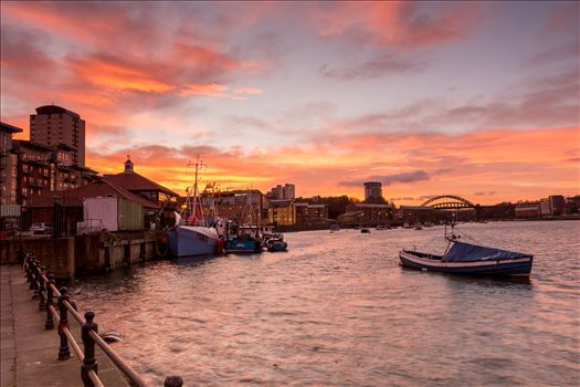 Sun sets over Sunderland - A fabulous sunset at Sunderland Fish Quay