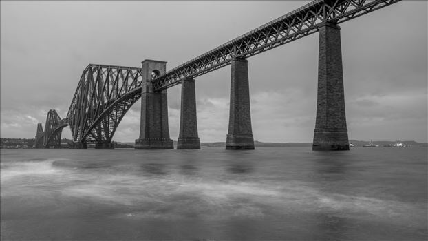 Forth rail bridge - When it opened it had the longest single cantilever bridge span in the world, until 1919 when the Quebec Bridge in Canada was completed. It continues to be the world's second-longest single cantilever span, with a span of 1,709 feet (521 m).